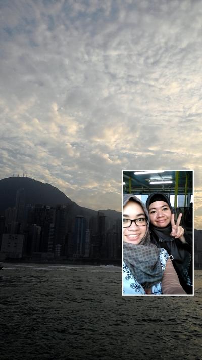 Naek ferry lagi ke Mui Wo, sayangnya begitu sampe sana keburu hujan~
