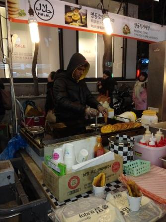 Warung Hotteok halal di Myeongdong! Enak lho~