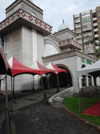 Masjid Daan, Taipei. Di tengah kota.