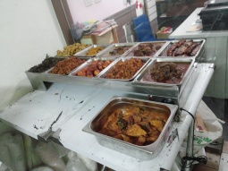 Ini dia makanannya, langsung ambil aja. :D